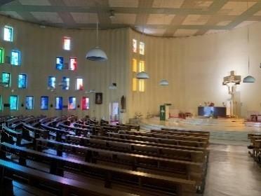 カトリック南山教会聖堂.jpg